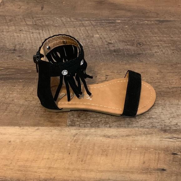 700ec2043efe i love yokids Other - Girls I Love Yokids sandals